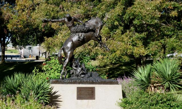 Cowboy Bronze Texas Capitol Grounds - Nov 14