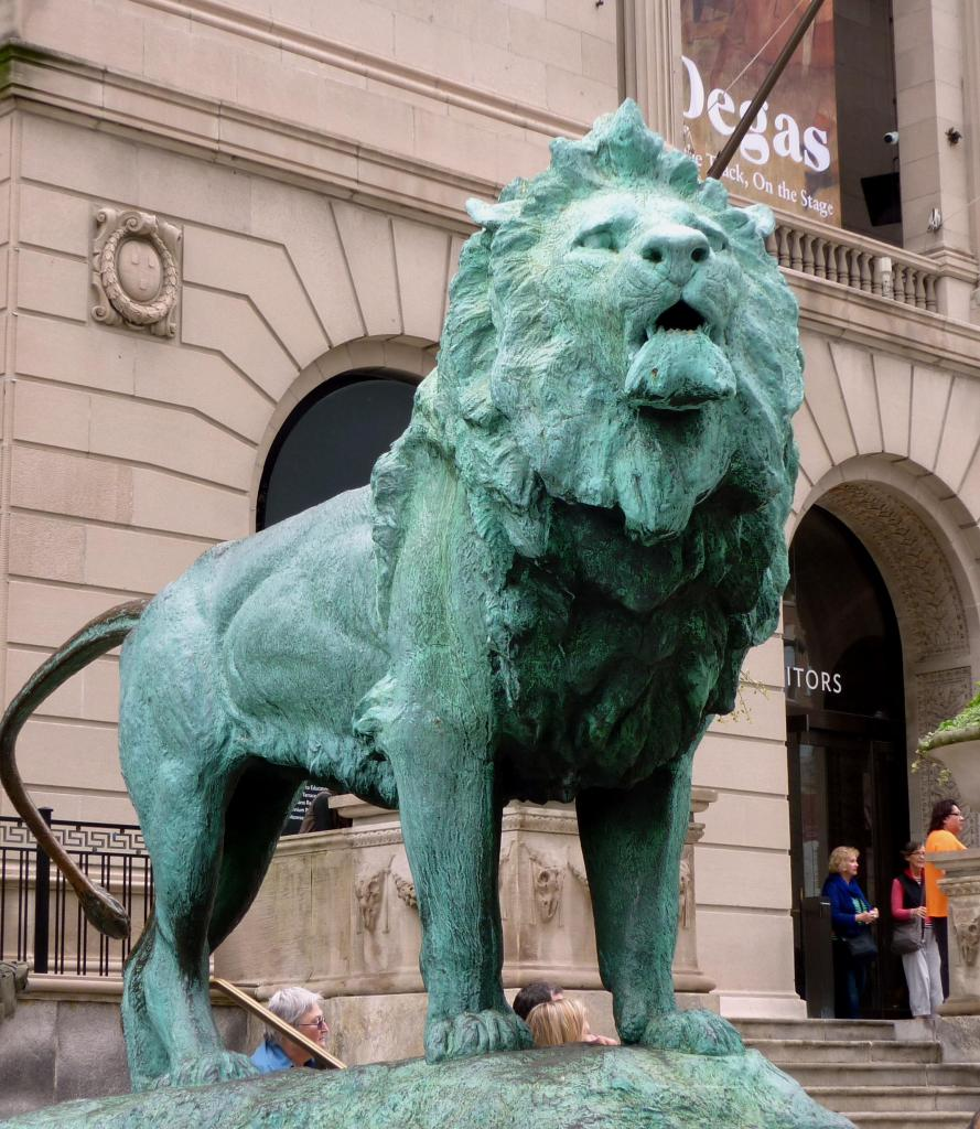 Lion - Michigan Avenue - Chicago, Illinois - July 2015