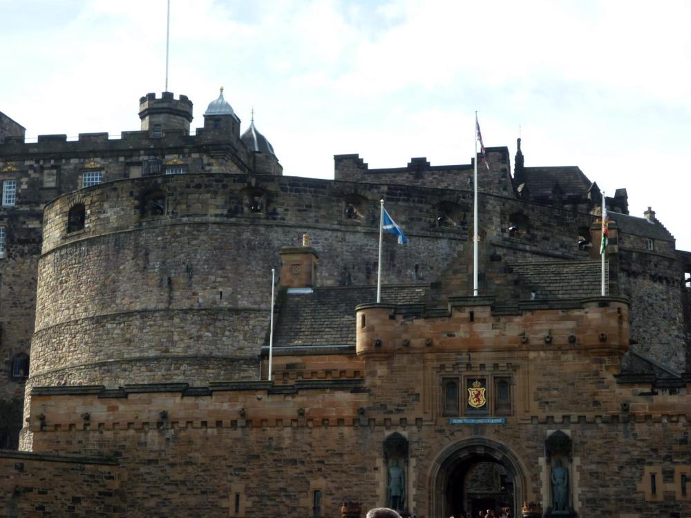 edinburgh-castle-1