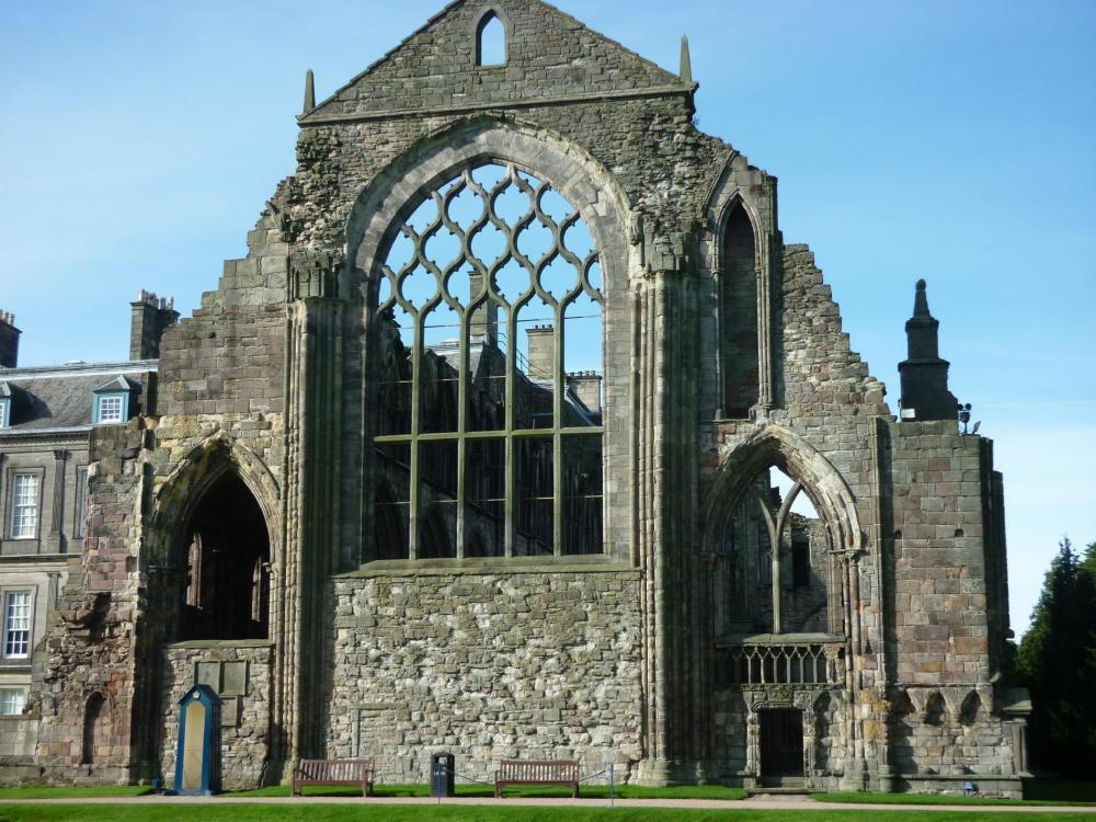 edinburgh-holyrood-palace-9