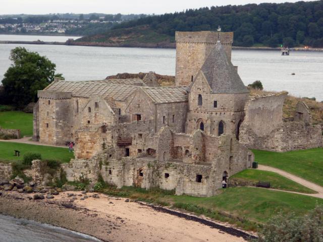 inchcolm-abbey-10