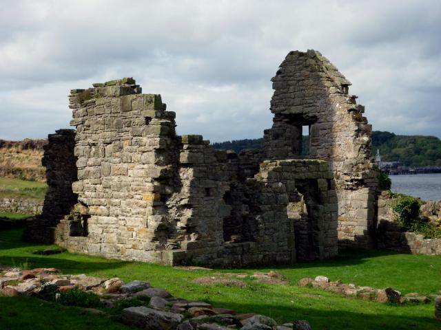 inchcolm-abbey-4