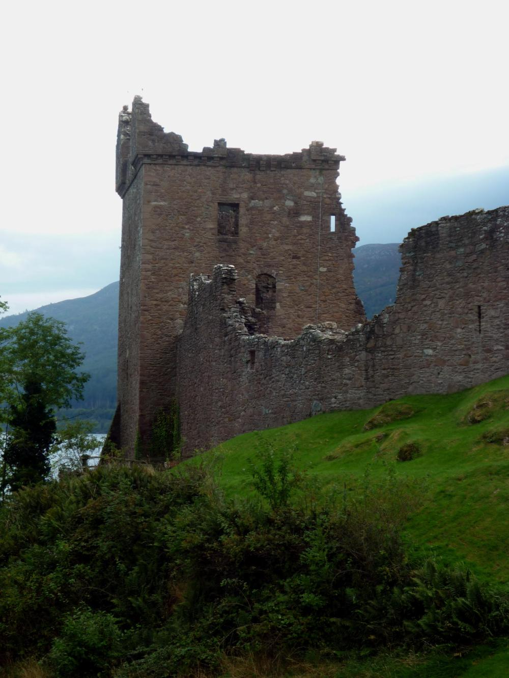 urquart-castle-loch-ness-3